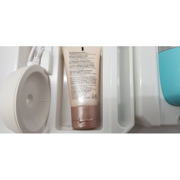Clarisonic Mia FIT cosmetic brush for face