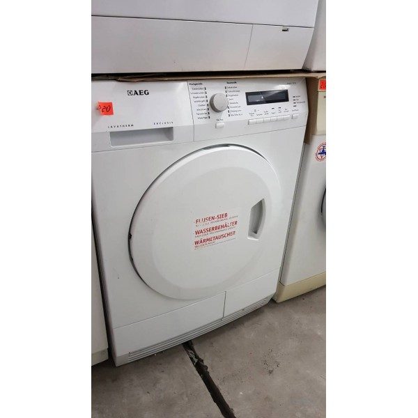 Drying AEG T71279AC car